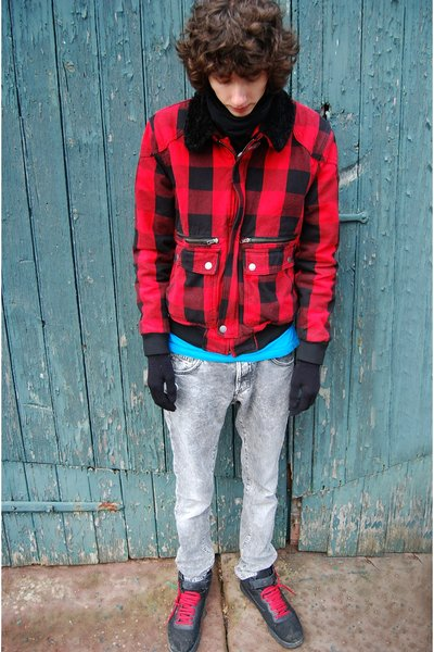 black Buff scarf - red H&M jacket - silver H&M jeans - black fila shoes - blue B