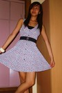 Black-forever-21-belt-white-thrifted-dress-white-from-bazaar-accessories