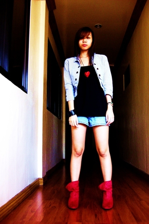 red from Ebay boots - gray blazer - blue thrifted shorts - black Forever 21 top