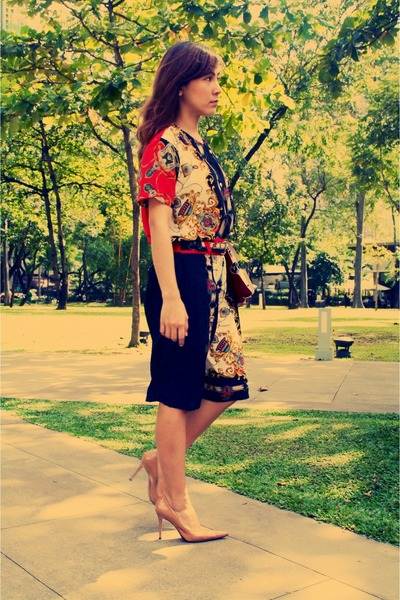 ruby red vintage blouse - black vintage pants - tan Janylin heels