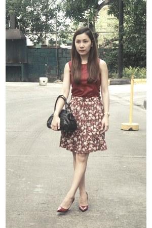Celestina bag - casio watch - vintage floral skirt