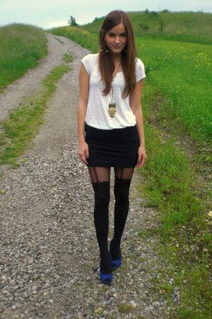 black Topshop tights - black H&M skirt - white H&M top - gold H&M earrings - blu