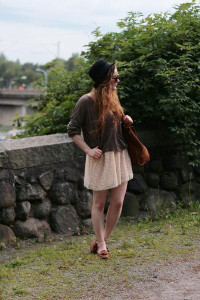lace Sugarlips skirt - Monki jumper