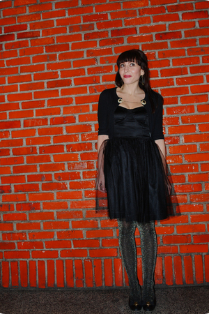 black kensie dress - black BB Dakota cardigan - gold HUE tights - black ferragam