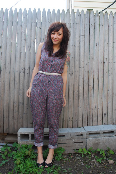 pink vintage pants - black Arturo Chiang shoes - white vintage belt