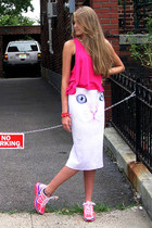 white IDILVICE FASHION skirt - hot pink nike sneakers