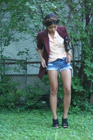 Jcrew shirt - Levis shorts - black suede Aldos heels