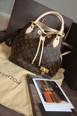 brown Louis Vuitton purse