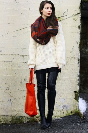 crimson H&amp;M Trend scarf - black Stella McCartney boots