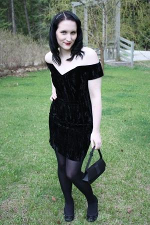 black velvet vintage dress - black le chateau shoes - black random tights