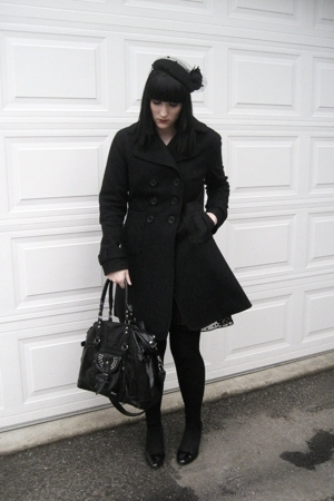 le chateau hat - jacon connection coat - Guess dress - H&amp;M tights - random purse