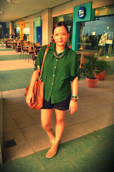 tawny Parfois bag - forest green from bangkok blouse