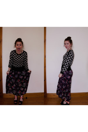 purple kushi dress - black H&M jumper - bubble gum Monki sandals