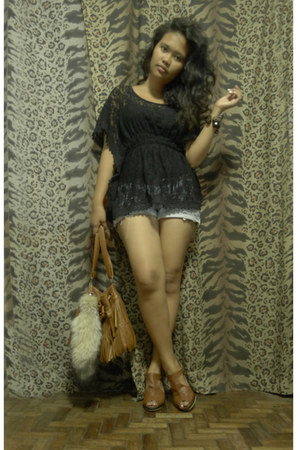 camel fringe thrifted bag - light blue denim DIY shorts - black lace thrifted bl