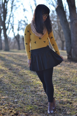 black Wet Seal skirt - dark brown Tommy Hilfiger boots - gold OASAP sweater