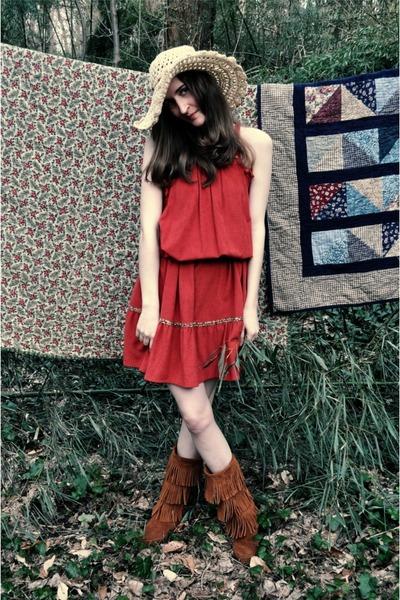 beige alloy hat - brown Minnetonka Moccasins boots - orange vintage dress