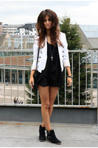 off white Topshop jacket - black Kurt Geiger boots