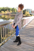 tan blazer - black boots - blue jeans