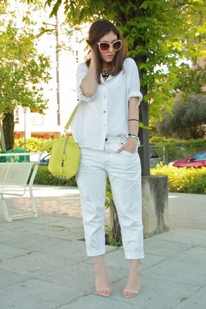 white Pull and Bear jeans - neutral Zara sandals