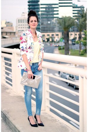 cream Zara blazer - turquoise blue casual chic Zara jeans