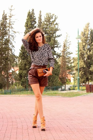 brown castro shorts - black Zara blouse - white