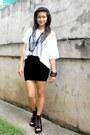 White-random-brand-shirt-black-skirt-bestfinds-thriftshop-shoes