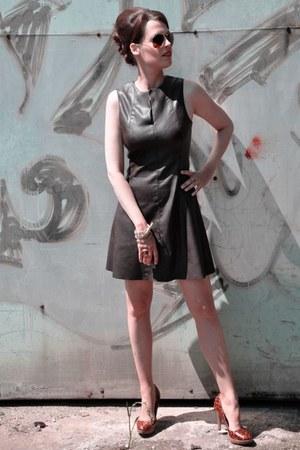 dark brown Zara dress - dark brown Ray Ban sunglasses - tawny no name heels