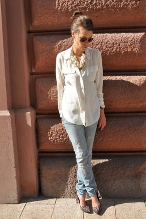 off white Juicy Couture blouse - brown H&M jeans - brown Ray Ban sunglasses