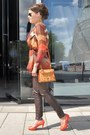 Dark-brown-zara-leggings-carrot-orange-mcm-bag-dark-brown-ray-ban-sunglasses