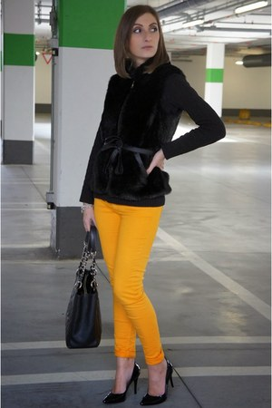 Chanel bag - cycle jeans - piumi heels