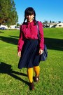 Red-h-m-shirt-red-levis-jeans-gold-hue-tights-navy-thrift-skirt-hot-pink