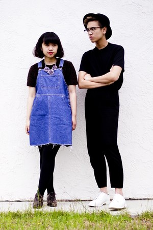 black H&amp;M pants - white shoes - blue overall dress - black Gap t-shirt