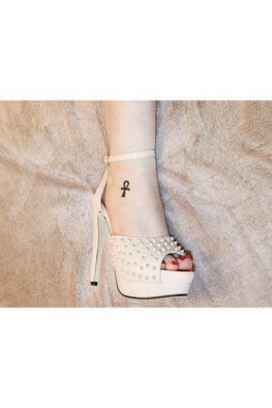 eggshell Boohoo heels
