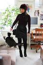 Black-lace-up-aldo-boots-maroon-faux-fur-topshop-hat