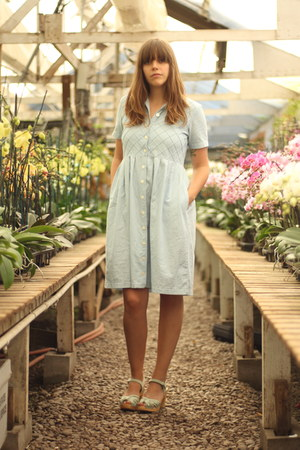 sky blue denim thrifted vintage dress - aquamarine Sweedish Hasbeens clogs