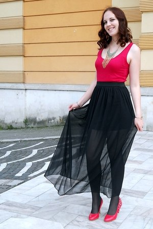 black maxi Atmosphere skirt - statement c&a necklace - c&a top