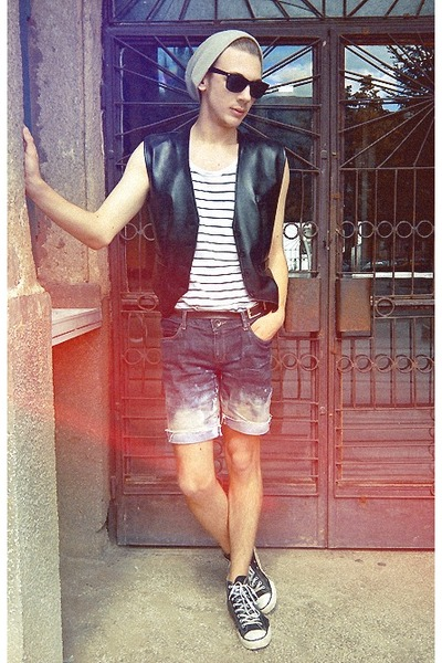 Converse sneakers - New Yorker hat - H&amp;M shirt - Esprit shorts