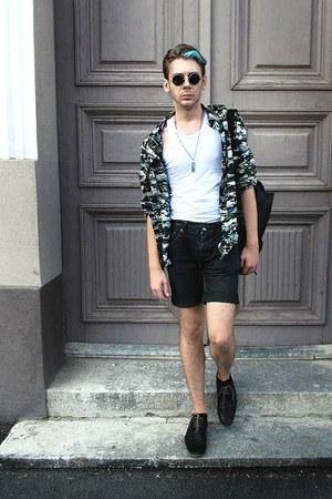 black Zara shoes - ivory H&M shirt - teal H&M shirt - black pull&bear shorts