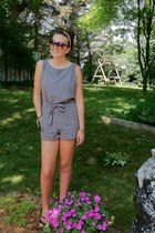 dark brown large Forever21 sunglasses - black plain Old Navy sandals - charcoal
