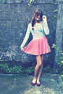 Bubble-gum-pleated-skirt-light-blue-polka-dots-forever-21-top