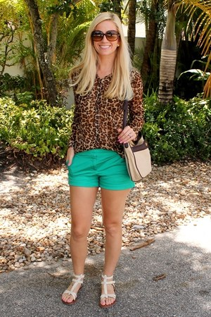 TODs sunglasses - Old Navy blouse - Matt Bernson sandals