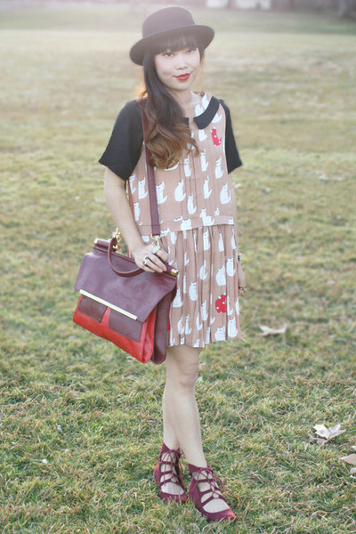 ruby red Nila Anthony bag - tan Sheinside dress