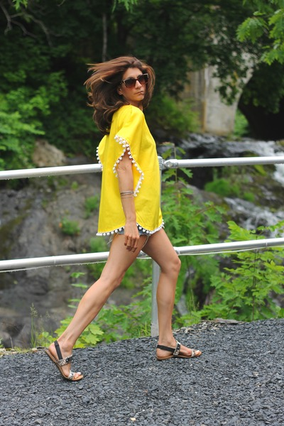 yellow poncho vintage top
