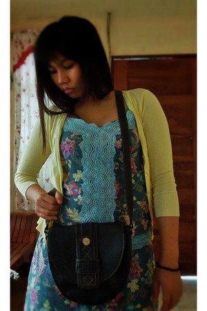 teal floral dress Petit Monde dress - leather bag - light yellow cardigan