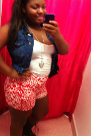 tank top Forever 21 top - pattern Love Culture shorts - jean Forever 21 vest