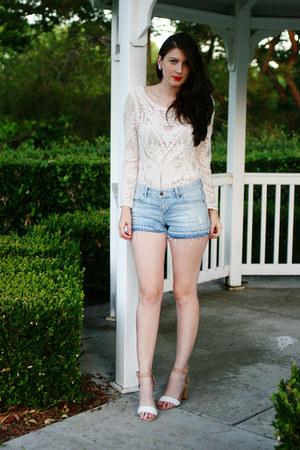 off white Express blouse - light blue David Kahn shorts - camel Zara heels