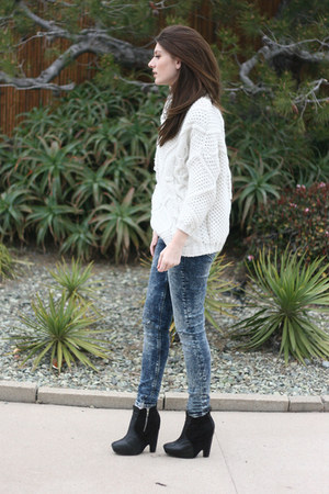 black sam edelman boots - blue asos jeans - white Zara sweater