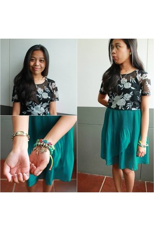 teal skirt - black Mackays top - silver watch