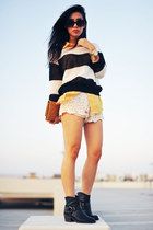 romwe sweater - Lucky Brand boots - yellow clutch Trend Essentials purse