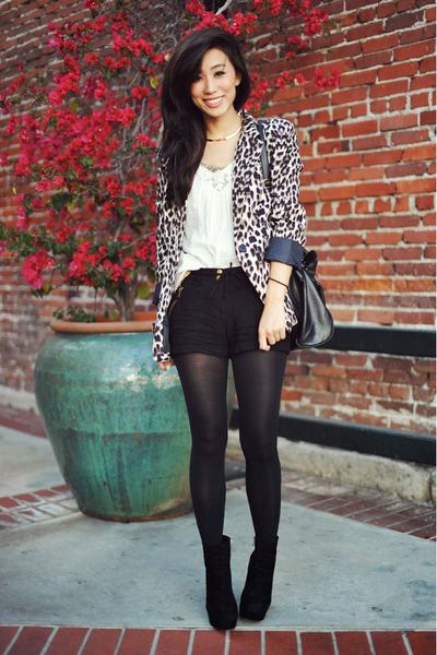black Dolce Vita boots - cheetah-print cotton on blazer - black stirrup Target t